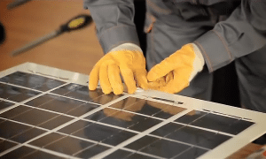 Why Do Solar Panels Need to Be Cleaned?