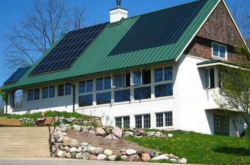 The Advantages Of Using Solar Garden Lights